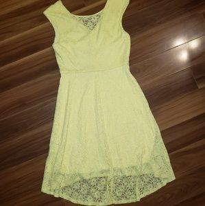 Dresses - Yellow lace dress
